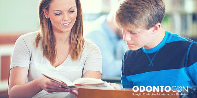 Cópia de Cópia de blog 11 - OS 5 TIPOS DE DESPESAS COM EDUCAÇÃO QUE PODEM SER ABATIDAS DO SEU IMPOSTO DE RENDA